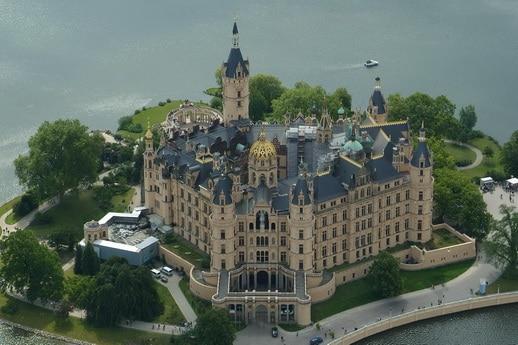 Fliegen über Schwerin mit Schloss