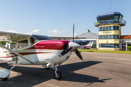 Rundflug über Rügen vom Flugplatz Güttin
